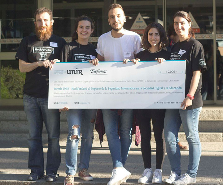 premio hack4good grupo