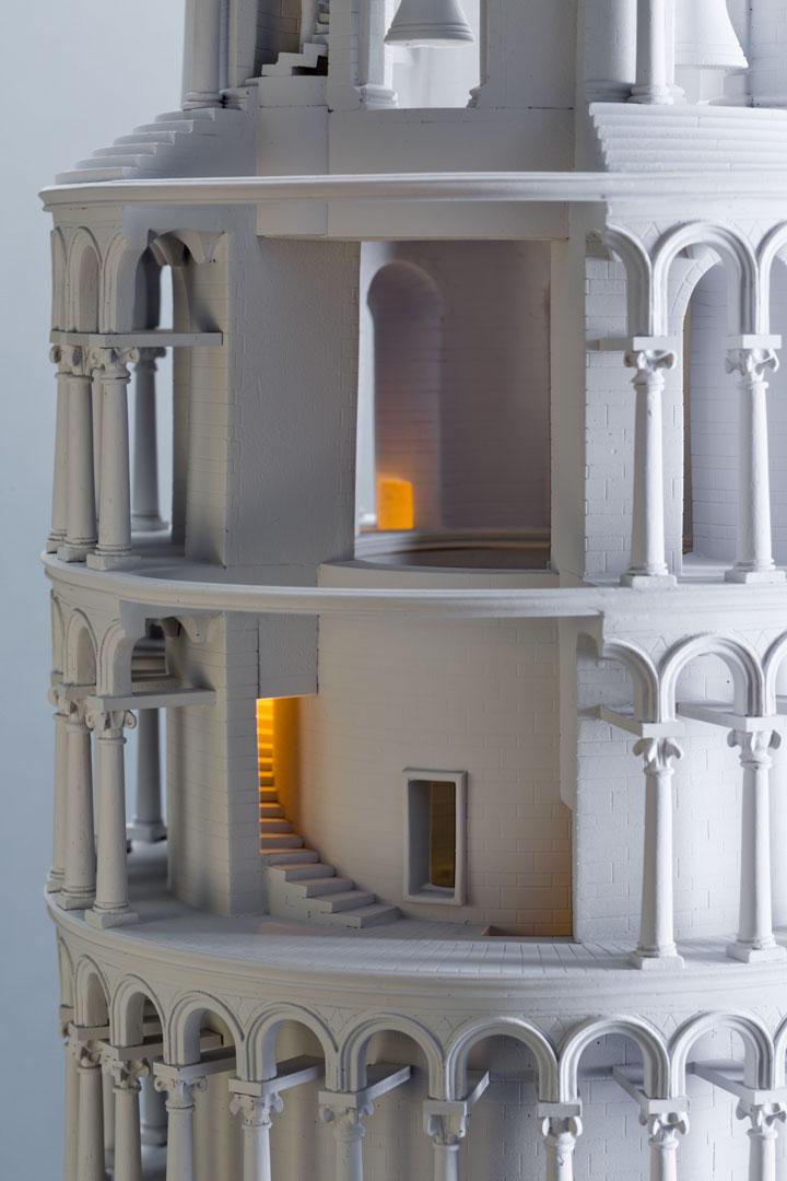 alejandro-delgado-torre-pisa-iluminacion
