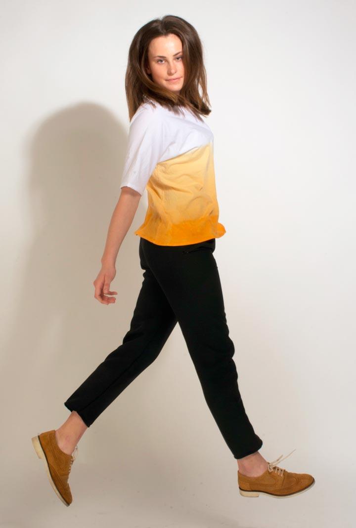 Essential-Basics-por-Adriano-Albarran-proyecto-artediez-camiseta-chica